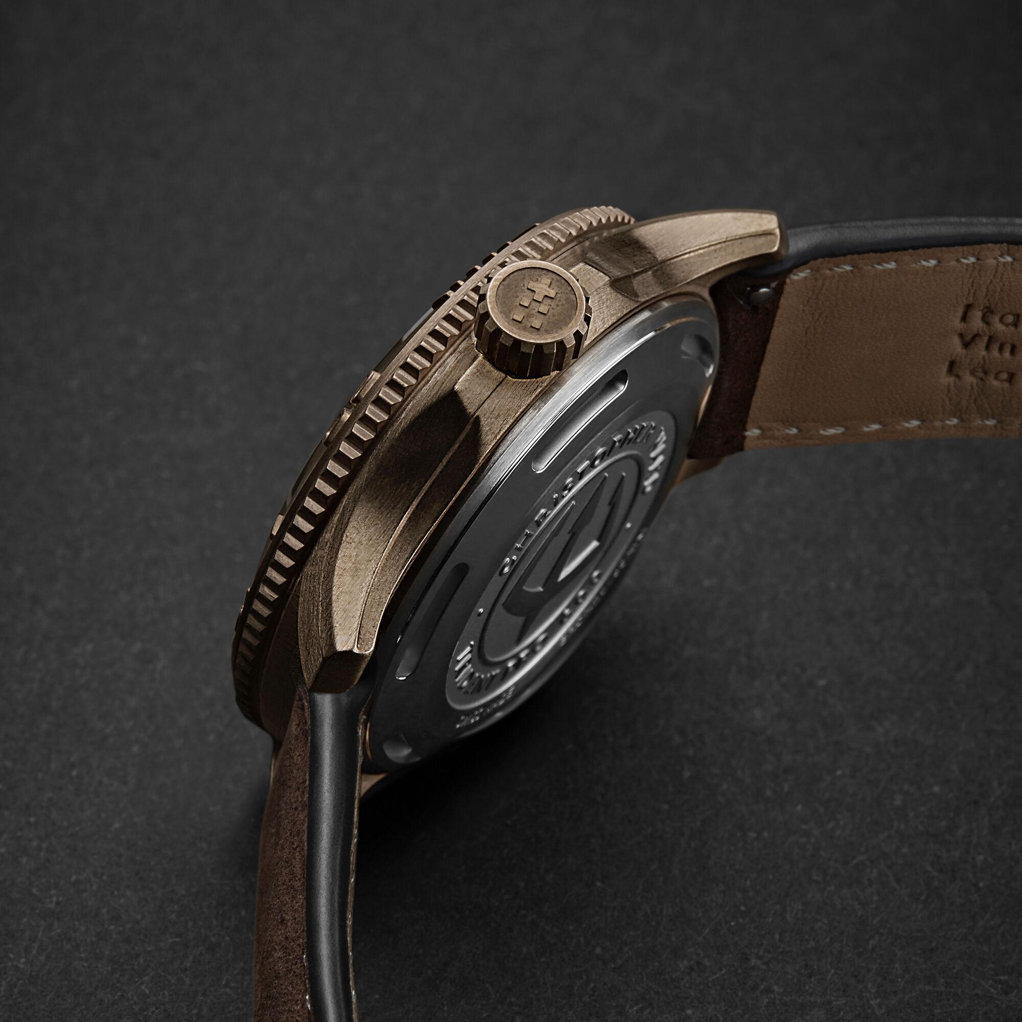 C60 Trident Bronze